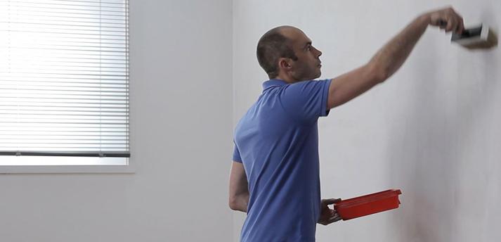 Voorstrijk aanbrengen mdf lakken hoogglans for Behang voor slechte muren